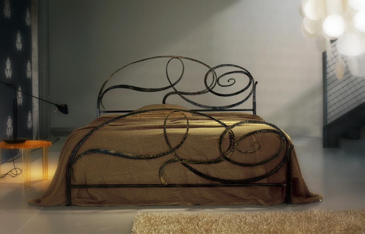 Verniciare Letto Ferro Battuto letto capriccio cosatto in ferro battuto artigianale