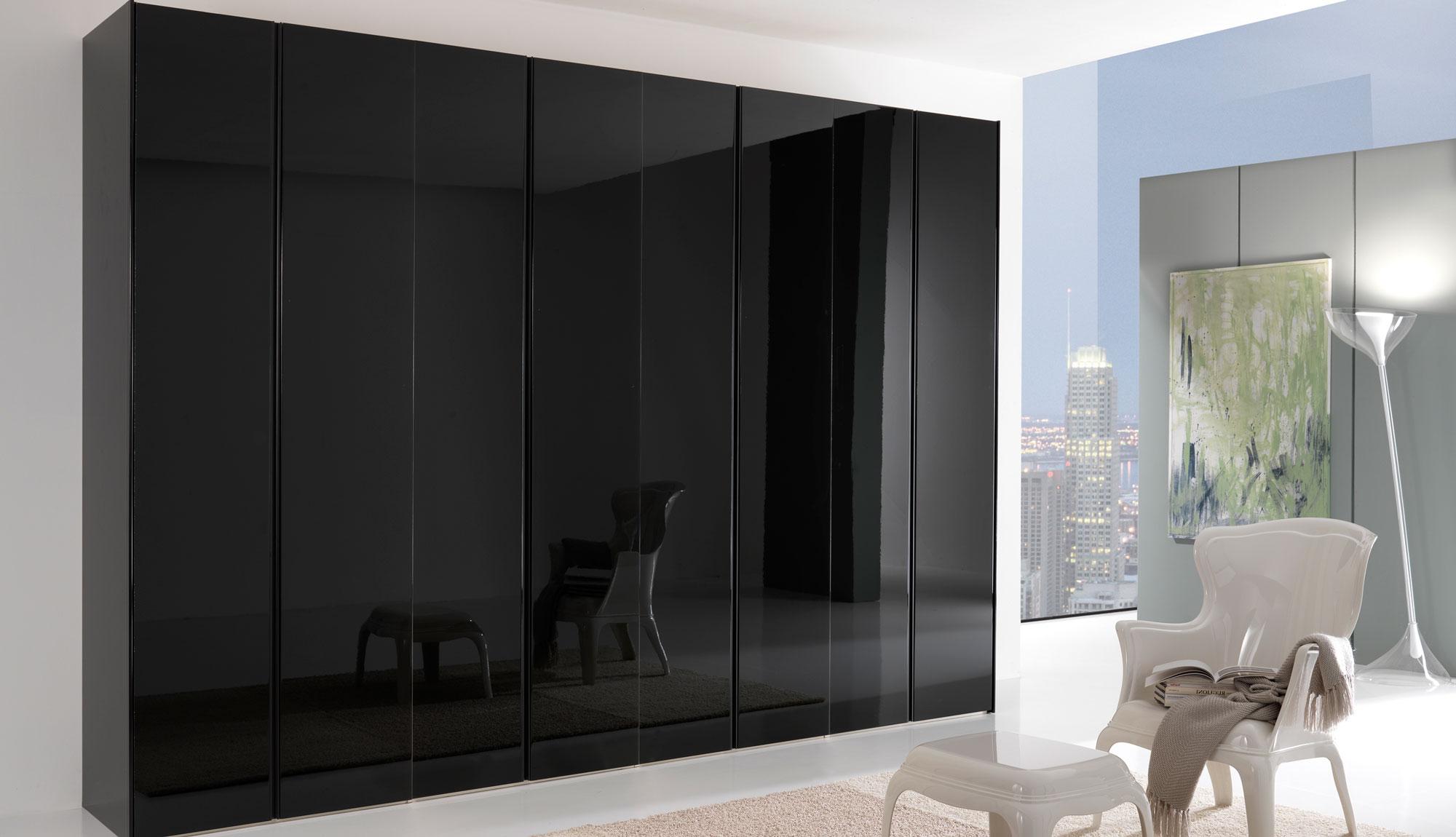Armadio nero lucido tutto mobili arredamento camere for Mobili neri
