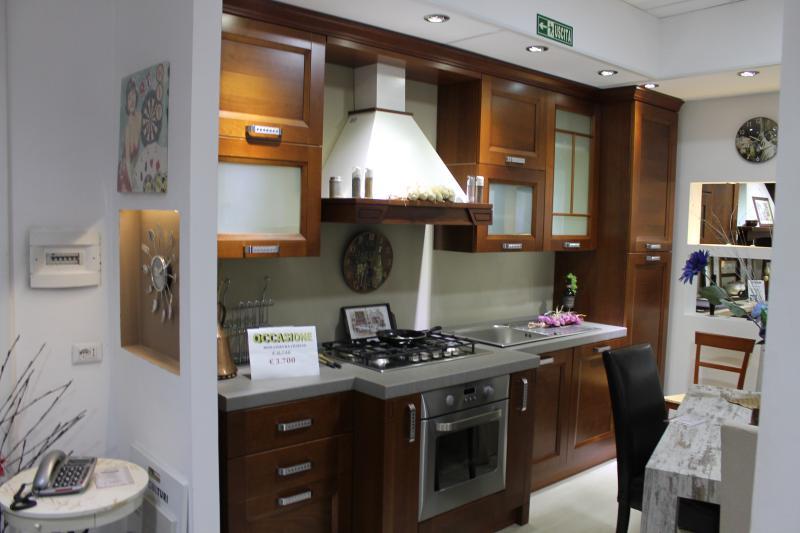 Outlet punto vendita roma tutto mobili arredamento camere cucine ufficio roma - Cucine outlet roma ...