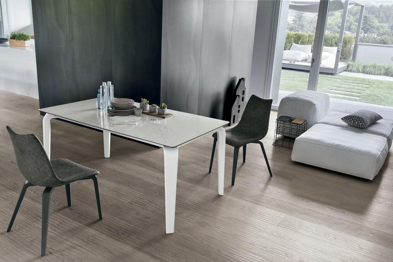 Tavoli moderni tutto mobili arredamento camere cucine for Outlet tavoli moderni allungabili