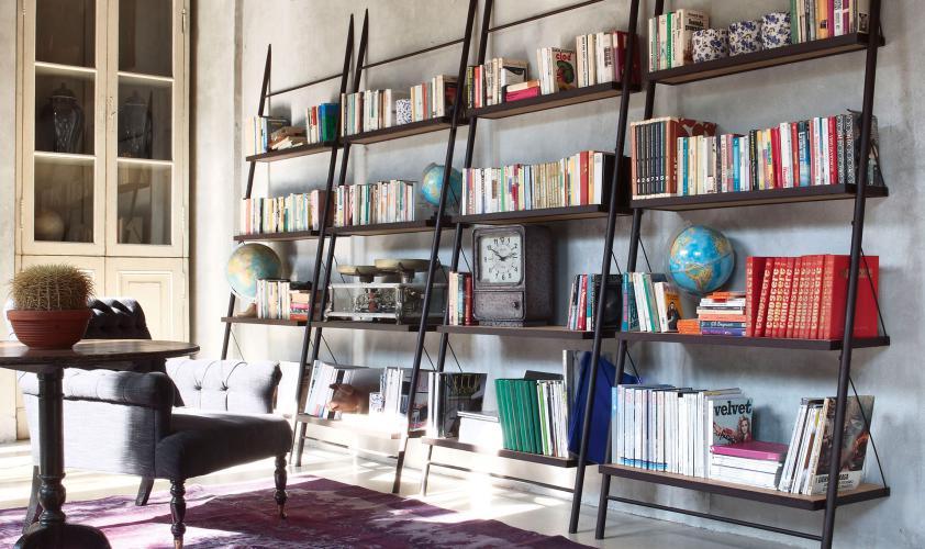 Arredo Ufficio Legno Massello : Libreria in diagonale in ferro e legno massello easy devina nais