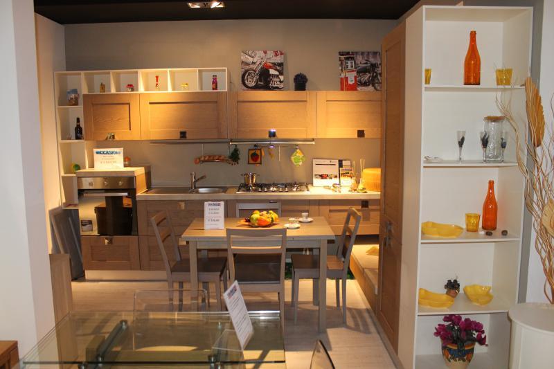 Outlet punto vendita roma tutto mobili arredamento camere cucine ufficio roma - Outlet cucine roma ...
