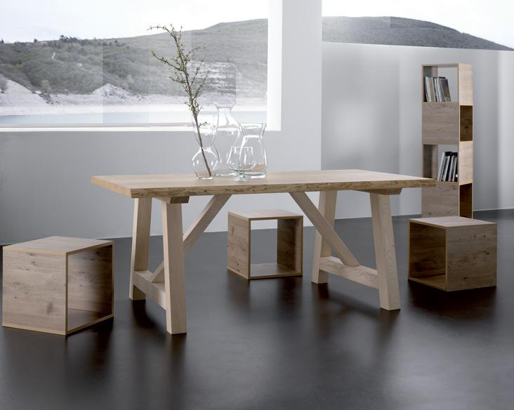 Tavoli moderni tutto mobili arredamento camere cucine for Mobili ufficio moderni