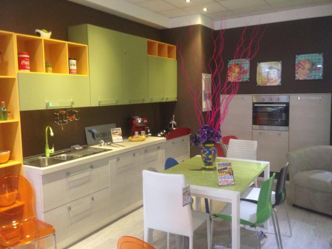 Svendita Outlet Cucina Moderna Completa di Elettrodomestici Brio in ...